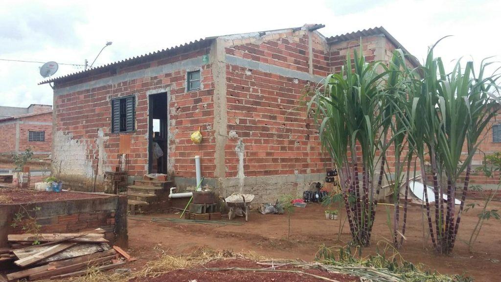 Casa de 2 dormitórios à venda em Jardim Do Lago, Senador Canedo - GO
