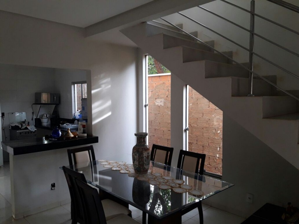 Casa para Venda 210 m²  com 5 quartos