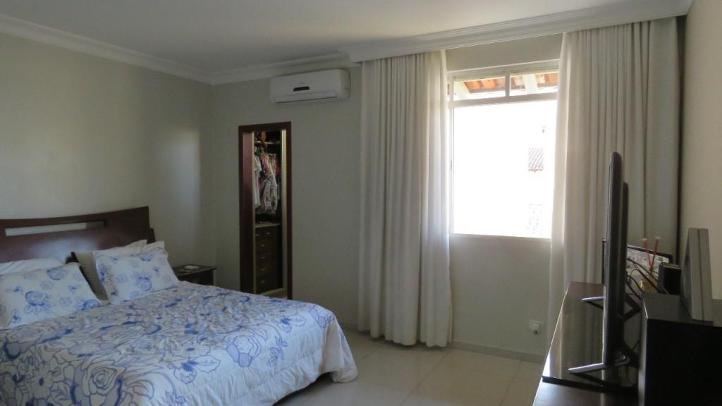 Casa para Venda 406 m²  com 5 quartos