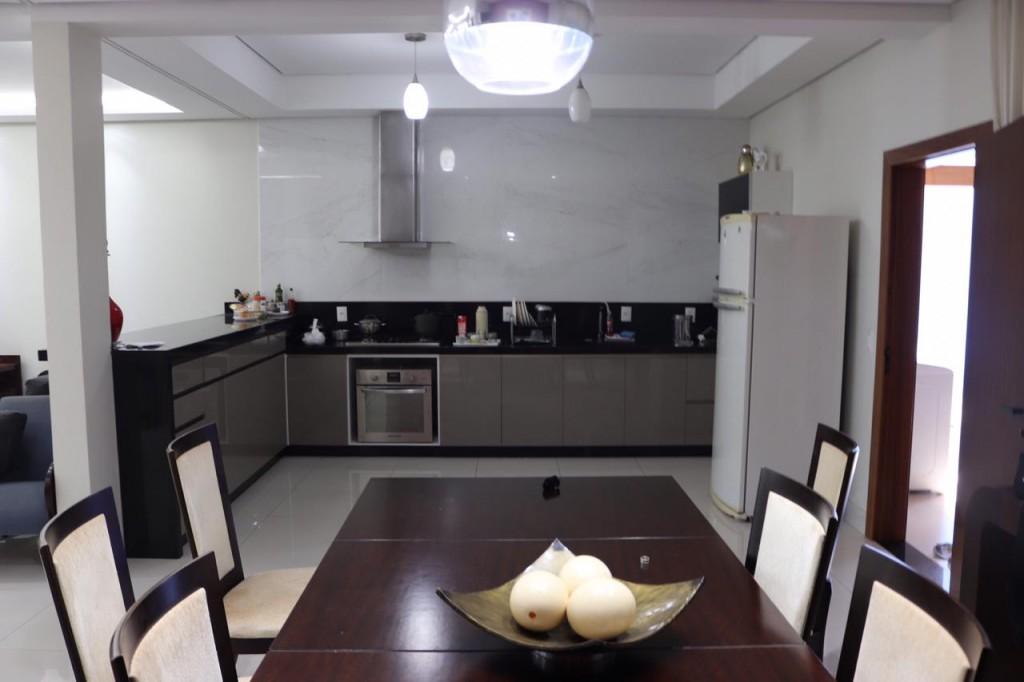 Casa para Venda 200 m²  com 2 quartos