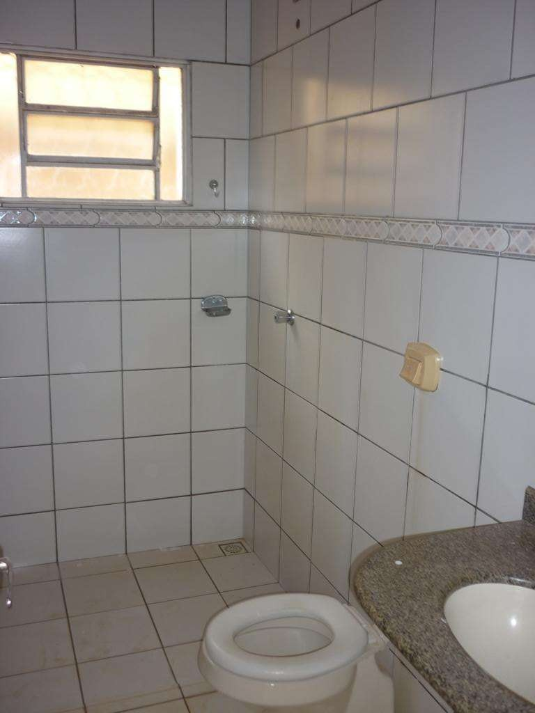 Casa para Aluguel 90 m²  com 3 quartos